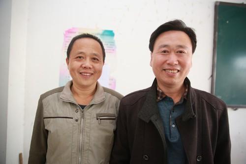 陈克飚和大学老师合影
