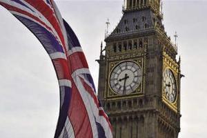 英国财政紧缩持续 未来20年英国人将无薪可加