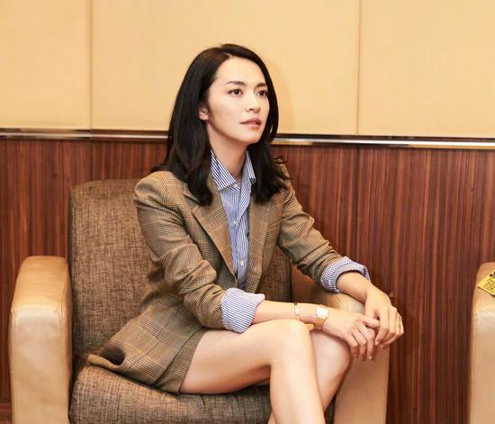 前段时间,姚晨被邀担任上海白玉兰奖评委