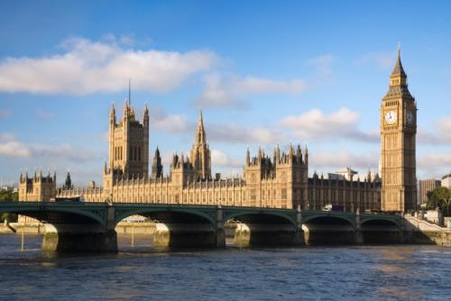 海外趣闻:英国学校将教学生分辨假新闻