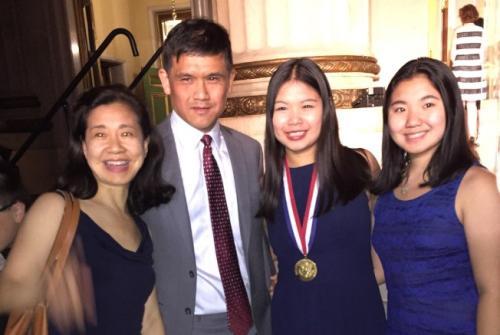 美高中生最高奖项总统学者奖颁发 28名华裔获奖