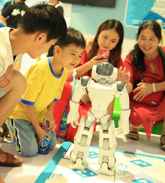 机器人助力教育 培育创新实践型人才