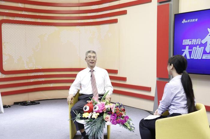 啊金吉列董事长朱燕民