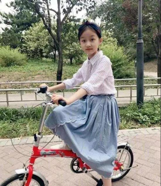 赵薇的女儿小四月