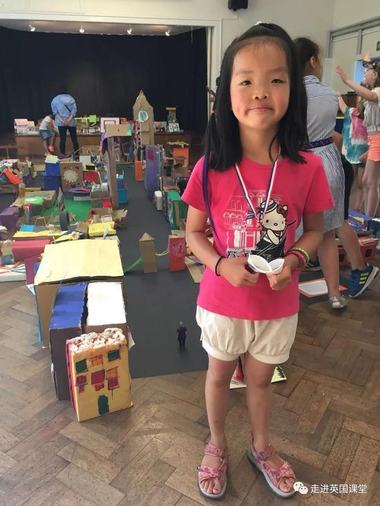 中国娃在英国上小学一年级 都学了啥