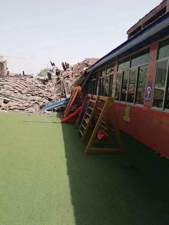 碧桂园咸阳项目拆旧致幼儿园教室坍塌 400名幼儿