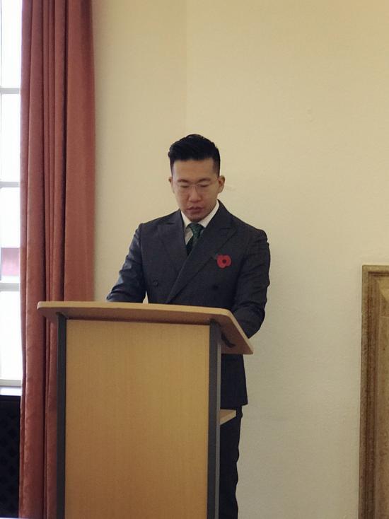 (五岳智库商学院的王院长是位年轻的80后)