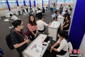 人社部:从四方面支持留学回国人员创业创新工作
