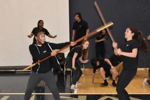 美国中学生上演《西游记》音乐剧