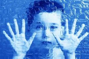 美华裔专家:家长勿错过自闭症孩子黄金治疗期