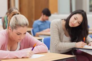 英国顶尖大学作弊案增多 牛津剑桥未能幸免