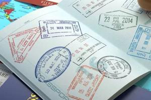 申请美国高中签证:请务必带好这九项材料