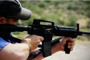 美亚利桑那州连发枪击案 嫌犯遭警方围捕时自杀