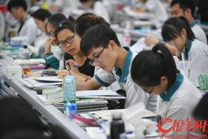教育部考试中心权威点评2018年高考作文题