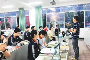 华侨华人子女选择回到祖国:参加大学统一考试