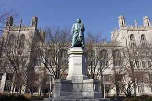 芝加哥大学宣布本科将不再需要SAT或ACT成绩