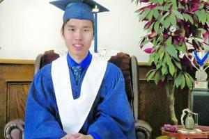 加拿大华裔获顶级奖学金 称学习需要劳逸结合