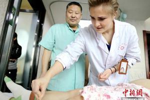 葡萄牙学生兴起中国留学热 主攻中医和科技专业