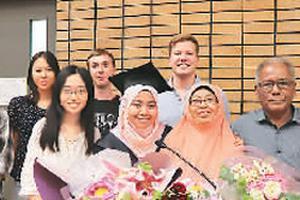 海外学子来到中国高校挥洒属于他们的青春年华