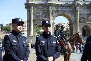 意大利警方查获大量冒牌手机和配件 两名华商被控