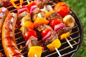 国外美食吃不惯 留学生该怎么办?
