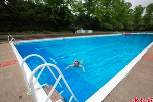 中国高中生参加赴美夏令营 溺毙寄宿家庭游泳池