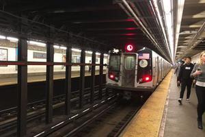 纽约大学18岁中国留学生地铁站跳轨当场身亡