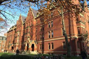 哈佛大学被诉性别歧视:全女性或全男性组织没价值
