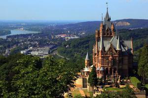 德国亲王1欧元甩卖城堡 西媒:135间房实在维护不起