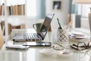 工作模式发生改变亚马逊招200多位员工在家办公