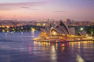 人员供不应求 澳大利亚这个行业工资5年涨了40%