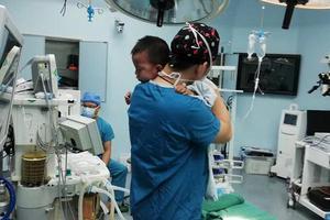 海南人民医院划归海南医学院 助建成高水平医科大