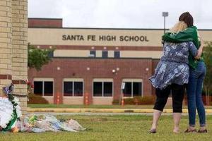 美国今年发生25起校园枪击案致33死 创近20年新高
