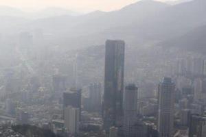 """韩国遭遇严重雾霾 有人""""甩锅""""有人反思"""