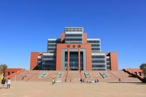 校友会2019云南省大学排名:昆明理工大学第一