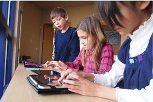 俄罗斯儿童接触网络年龄越来越早 超三分之一为自学