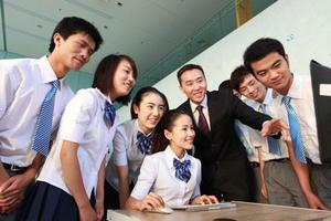 """教育部:我国职业院校""""双师型""""教师总量45.56万人"""