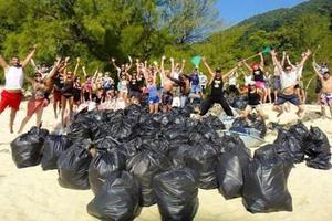 美网友捡垃圾被转发30万次 捡垃圾挑战能否火起来