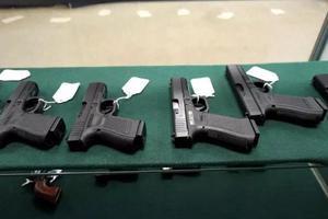 美國佛州通過教師配槍法案 教師可持槍上課