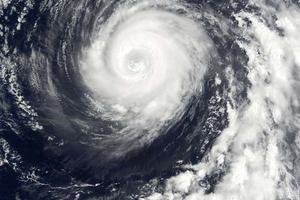 """热带气旋""""法尼""""造成印度12人死亡 学校停课"""