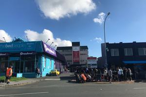 新西兰父母团聚移民签证何时再开?目前尚无定论