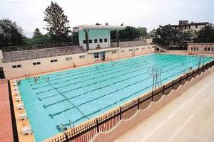 海外趣闻:日本中小学废弃校内游泳池