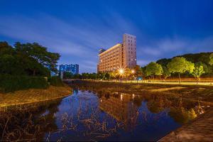 """误列""""野鸡大学""""名单 武汉东湖学院发布声明"""
