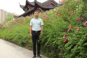 正能量教师:湖北省麻城市英才小学语文老师郭青松