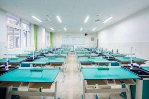 攀枝花市:教育和体育局下放民办高中学校管理权限