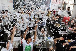 中国高校扩招20周年 高考的变与不变