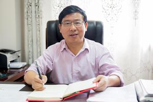 正能量校长:广西省桂林市城楠中学校长刘新来