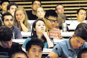 毕业生就业难问题显现 人工智能等专业人才不足