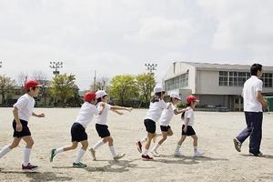 云南中考改革将体育与语数英并列100分引争议