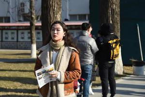 中國傳媒大學2020年藝考初試開考 帥哥美女扎堆(圖)